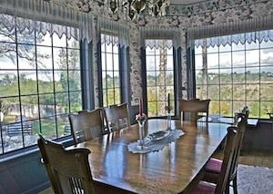 Tiffany House: Dining Room with gorgeous view