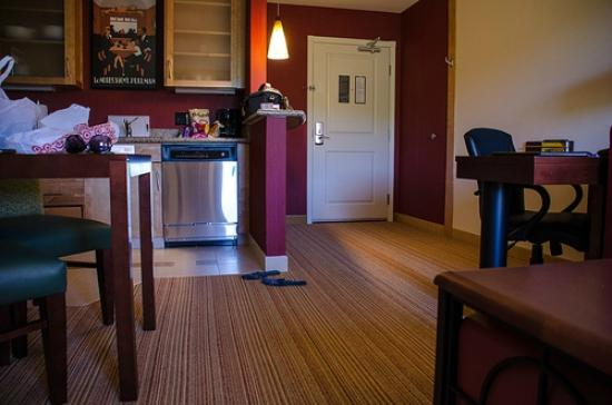 Residence Inn Duluth: King suite - kitchen/living quarters
