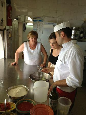LO Guarracino: Cooking Class: Charming and funny staff