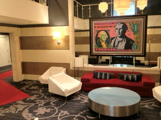 The Kimpton George Hotel : Sitting area at hotel