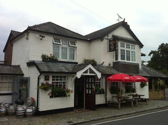 Three Horseshoes Inn: A lovely pub well worth a visit!