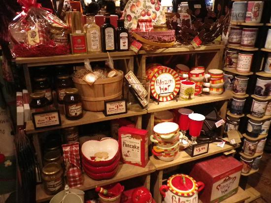 Cracker Barrel Old Country Store and Restaurant: inside the Cracker Barrel - gift shop