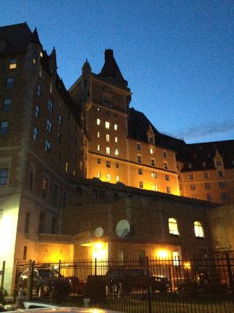 Delta Hotels Bessborough: Beautiful Hotel