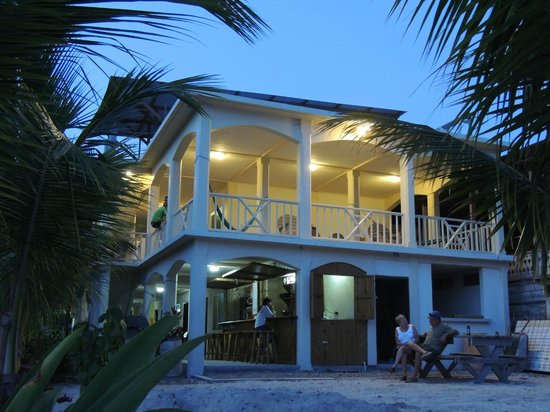 Pirate's Bay Inn Dive Resort: Majestic!