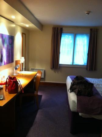 Premier Inn Southampton West Hotel: large room!