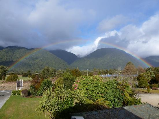 Holly Homestead B&B: View from front - look at the rainbow!