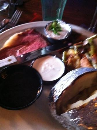 Bigfoot's Steakhouse: prime rib