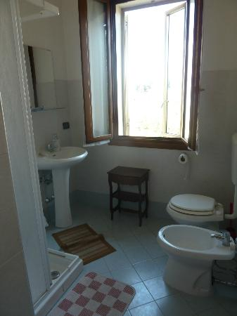 B&B Casa d'Oro : Shared Bathroom