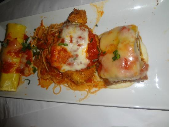 Romano's Macaroni Grill: HAFL COLD RAVIOLI AND BOLOGES