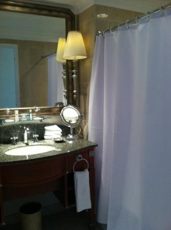 The Ritz-Carlton, Philadelphia: Bathroom