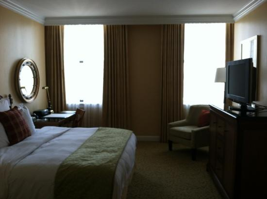 The Ritz-Carlton, Philadelphia: bedroom