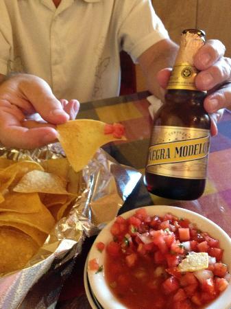 Lencho's Restaurant: Great complimentary salsa:)