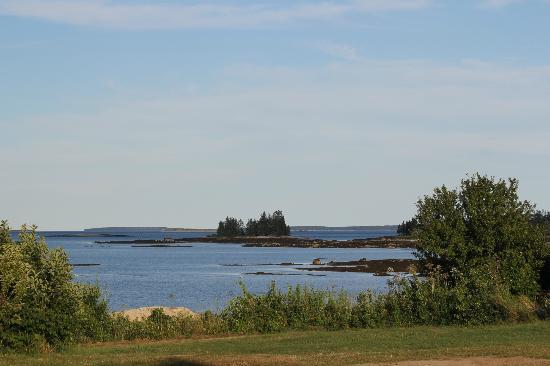 Lookout Inn: Views of the ocean 