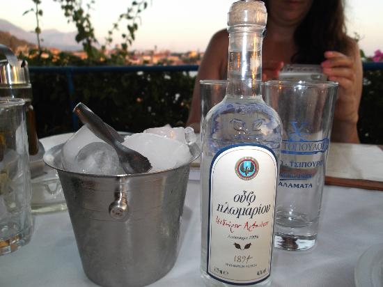 Stoupa Restaurant: A lovely way to start an evening
