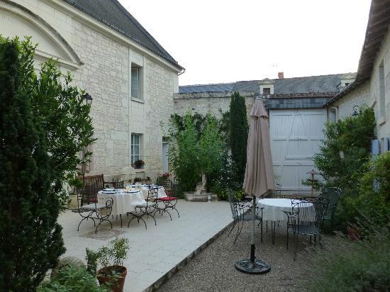 La Closerie Saint Martin: The courtyard 