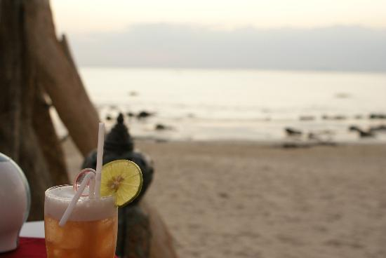 Phra Nang Inn: beach