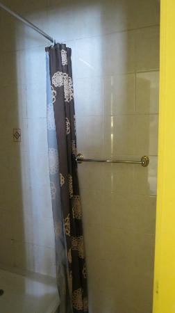 Hotel le Maupassant: doccia
