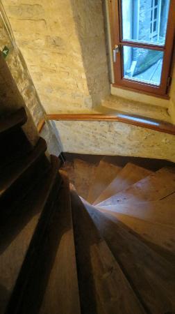 Hotel le Maupassant: scale tarlate