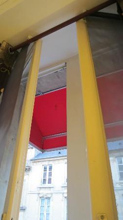Hotel le Maupassant: finestra