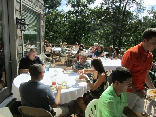 Rickard Ridge BBQ: Our families enjoying Rickard Ridge's amazing food