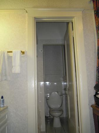 Union Square Plaza Hotel: ampiezza bagno