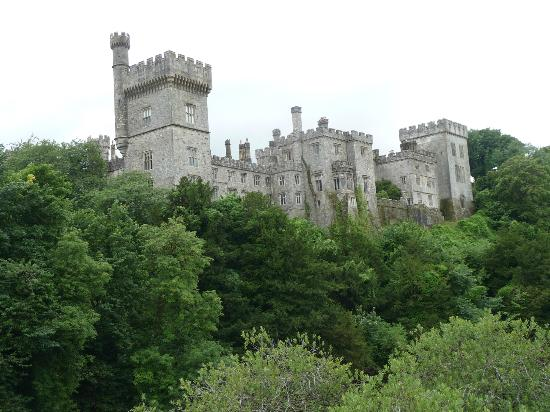Lismore Castle Gardens & Gallery: Lismore castle from the bridge