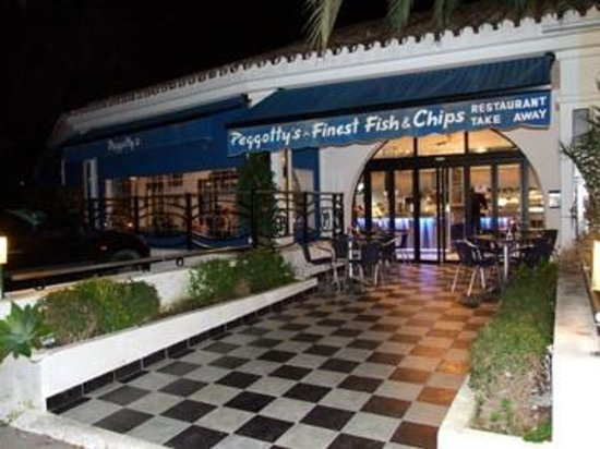Peggotty's Finest Fish & Chips: Peggotty´s entrance