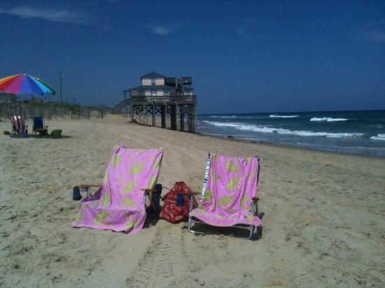 Baymont Inn & Suites Kitty Hawk Outer Banks : Beach two blocks from Hotel