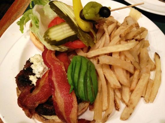 Jackalope's Bar & Grill at Tenaya Lodge : California Burger