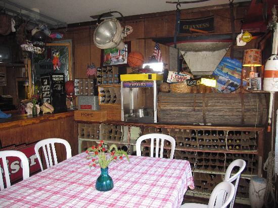Grove Market: Dining Area