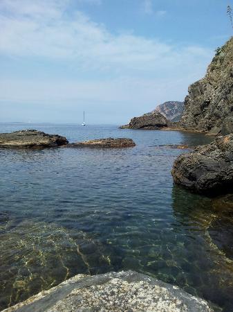 Agriturismo L'Erba Persa: baignade dans une eau cristalline, personne autour...