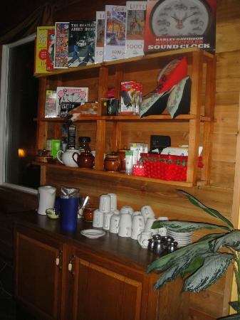 Evergreen Forest B&B: Beverage station