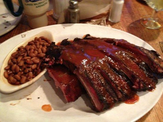 County Line : Ribs, ribs and more ribs ... yum
