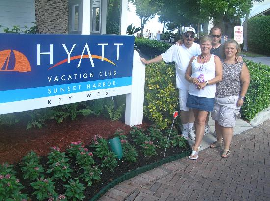 Hyatt Sunset Harbor Resort: Happy group