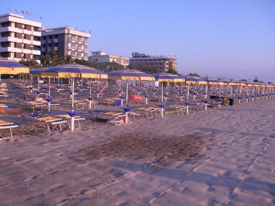 Residence Hotel Paradiso: Spiaggia dell'hotel