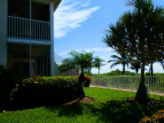 Sanibel Arms West Condominium: vu appart