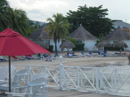 Royal Decameron Club Caribbean: Hexagonal chalets