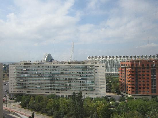 Tryp Valencia Oceanic Hotel: Vista desde el ascensor exterior del hotel del Museo de Ciencias