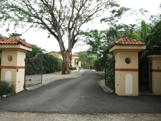 Driveway into Villa del Sol