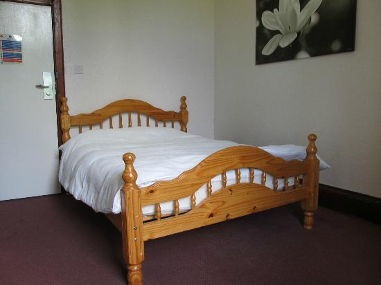 Loch Lomond Youth Hostel: double ensuite room
