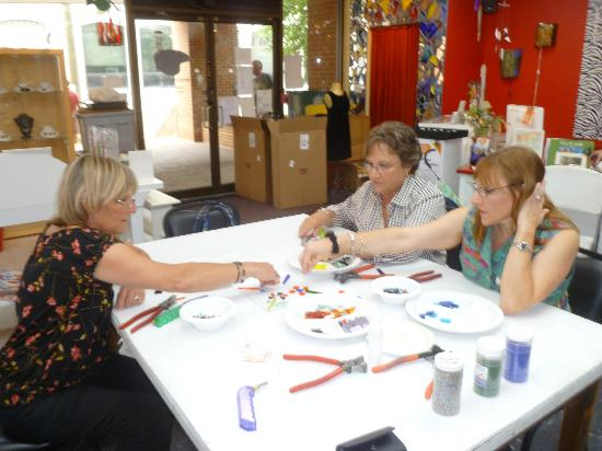 The Glass Palette - Interactive Glass Art Studio: Working together to make a special plate