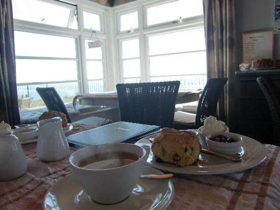 Blue Bird Tea Rooms: Tea and scones