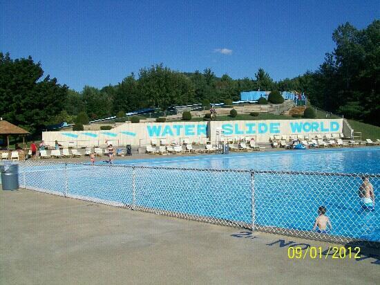 Water Slide World: wave pool