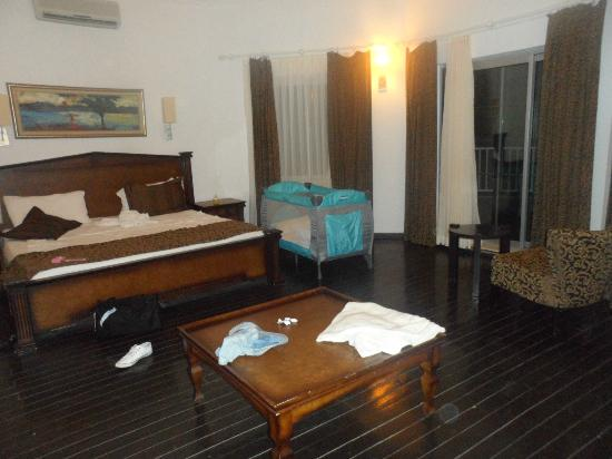 Blue Dreams Resort: One part of our room!