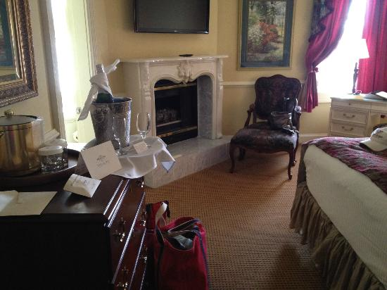 The Vendue Charleston's Art Hotel : Room 305