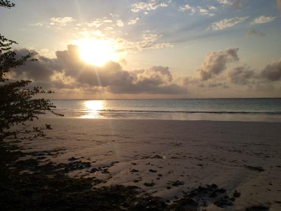 Galu Beach Retreat: beautiful sunsets!