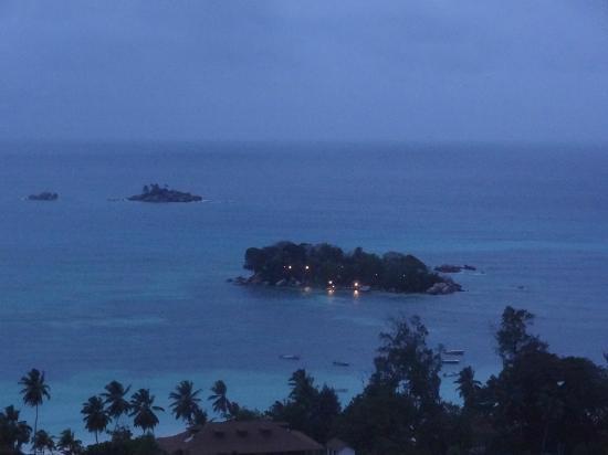 Mango Lodge: Vue de nuit