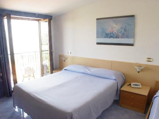 Hotel La Pergoletta: camera