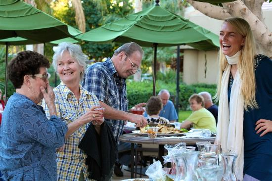 Emerald Desert RV Resort: Happy Hour