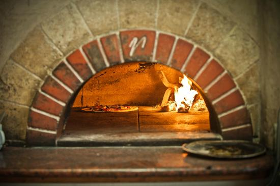 Pizzeria Rustica: Tuscan Wood Oven